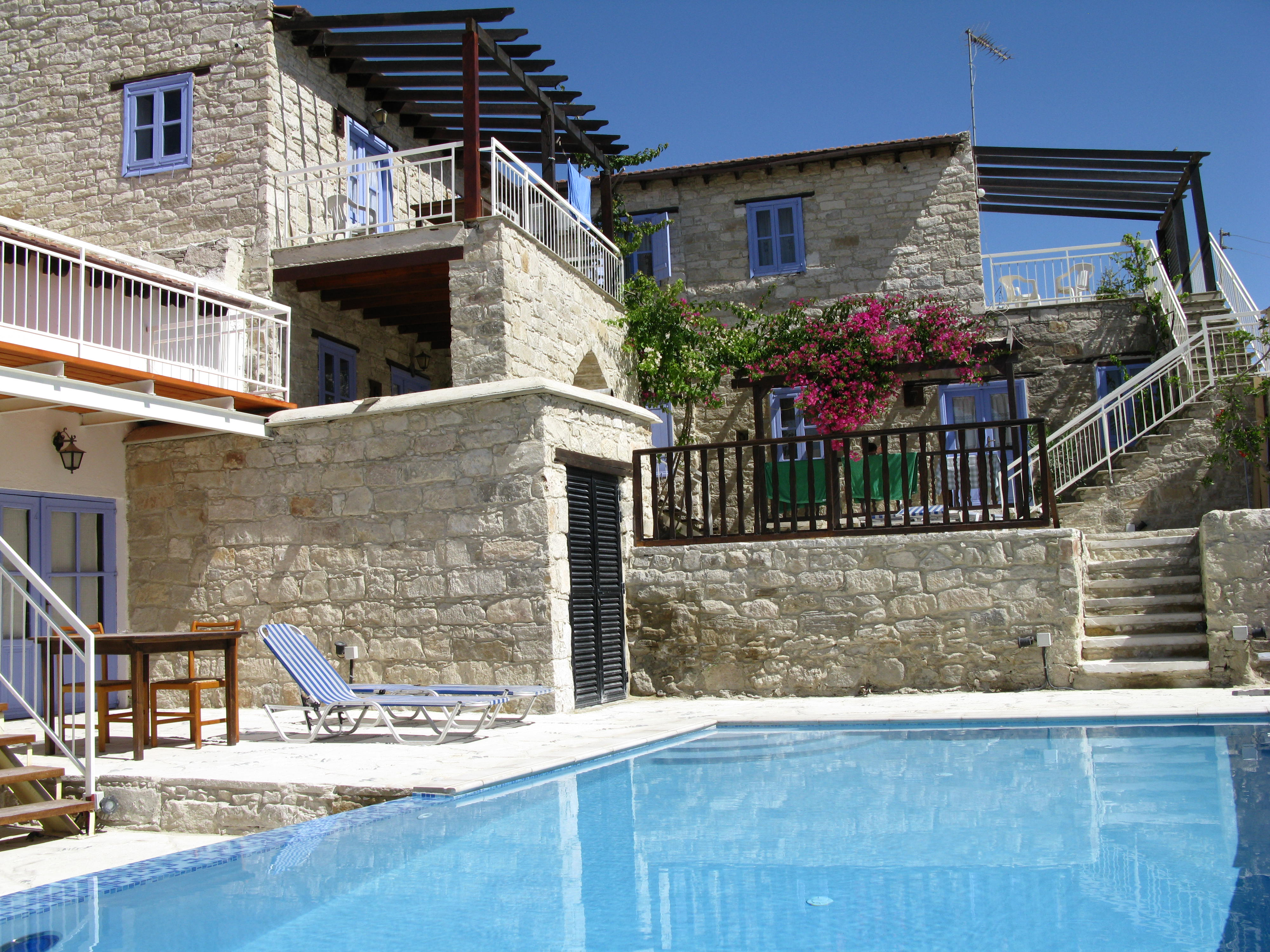 Cyprus Villages, Stuido, 1 and 2 bed apartments in Tochni.