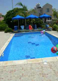 Ellas villa to rent in Kissonerga Paphos, Cyprus on a weekly basis - the pool