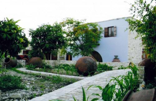 Garden Kamara House - Stone built house in Kato Drysi village near ...