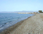 latchi_beach2.JPG (154529 bytes)
